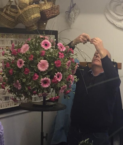 Making a Pnk wedding flower topiary tree at kays flower school