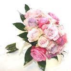 mixed rose bridal bouquet in pink