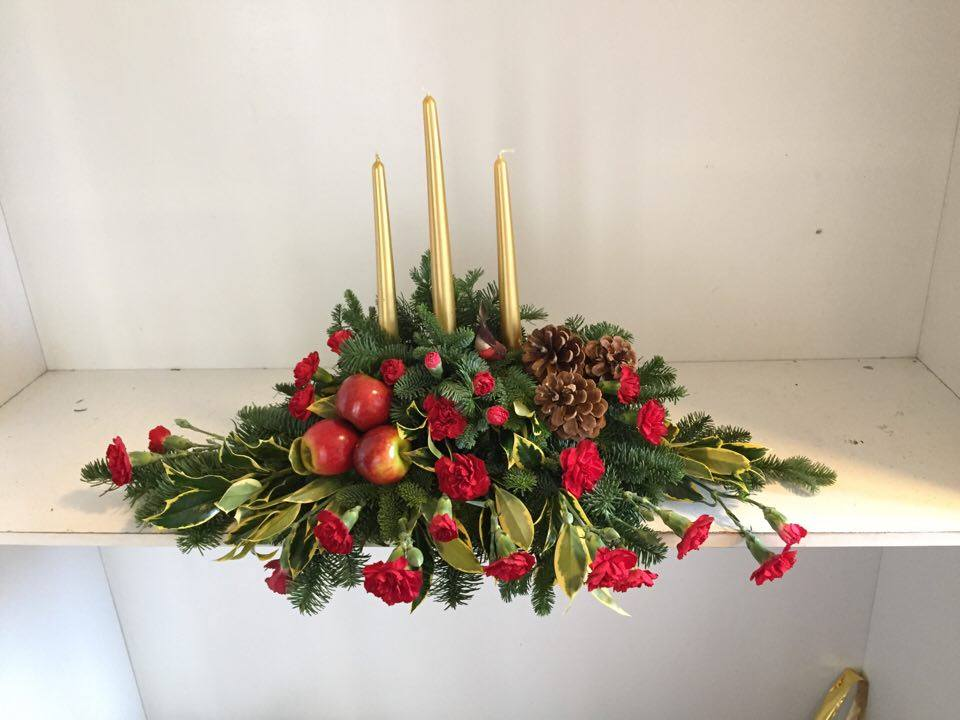 Red Chritmas Hall Table arrangment