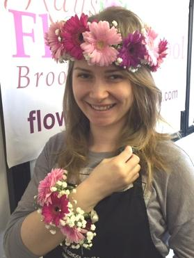 Floral Head Garlands at kays flower school